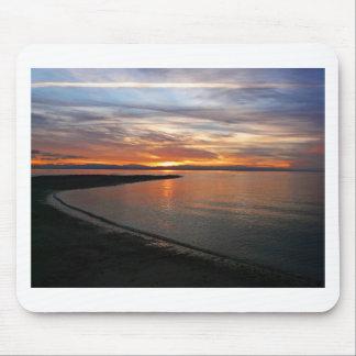 Playa de la puesta del sol alfombrillas de ratón