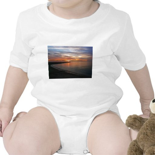 Playa de la puesta del sol traje de bebé