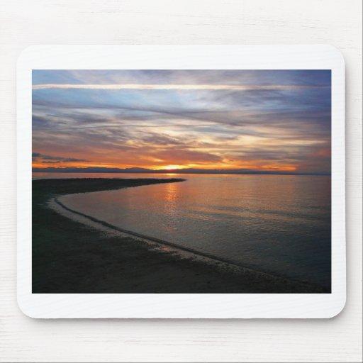 Playa de la puesta del sol alfombrillas de ratones