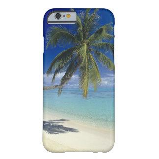 Playa de Matira en la isla de Bora Bora, sociedad Funda Para iPhone 6 Barely There