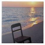 Playa de Sandy de la puesta del sol Azulejo Cuadrado Grande