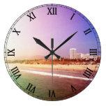 Playa de Santa Mónica - la foto púrpura verde corr Reloj De Pared