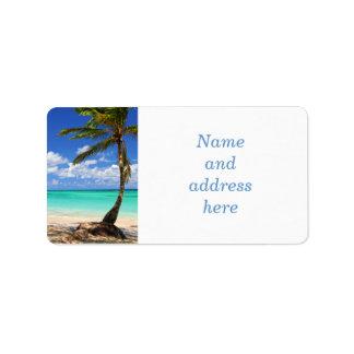 Playa de una isla tropical etiquetas de dirección