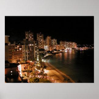 Playa de Waikiki en la noche Posters