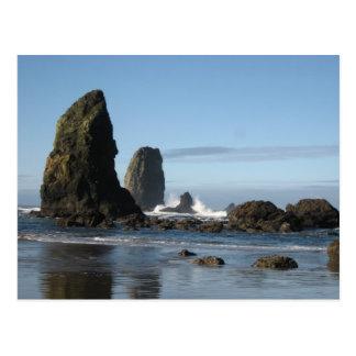 Playa del cañón y papel de embalaje de la roca del tarjeta postal