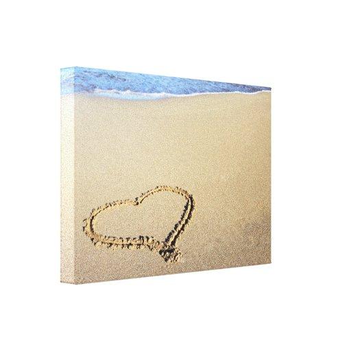 Playa del corazón del amor impresión en lienzo estirada