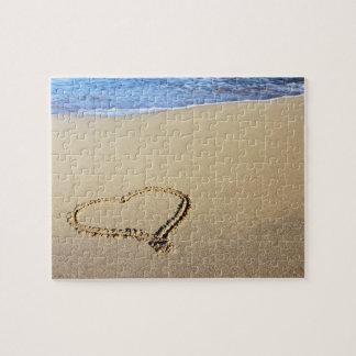 Playa del corazón del amor rompecabeza con fotos