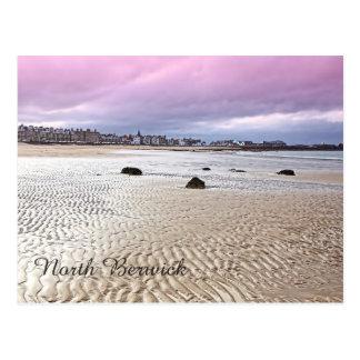 Playa del norte de Berwick en Escocia, postal