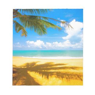 playa del paraíso de la palmera del arena de mar d bloc de notas