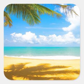 playa del paraíso de la palmera del arena de mar pegatina cuadrada