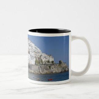 Playa en Amalfi, Campania, Italia Tazas De Café