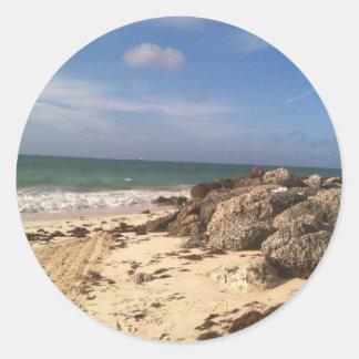 Playa en el puerto Lucaya, puerto franco, Bahamas Pegatina Redonda
