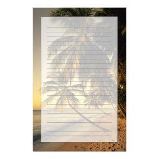 Playa en la puesta del sol, Trinidad Papelería Personalizada
