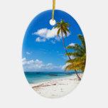 Playa en la República Dominicana de Saona Adorno Navideño Ovalado De Cerámica