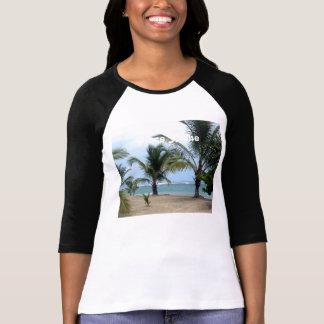Playa en la República Dominicana Camisetas