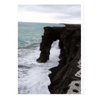 Playa negra de la arena/isla grande Hawaii Postales