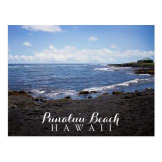 Playa negra Hawaii de la arena de Punalu'u Tarjeta Postal