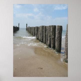 Playa postes y poster de la foto del mar