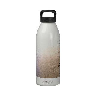 Playa que camina Barbados de los sistemas de las h Botella De Beber