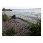 Playa rocosa del lago Cayuga Postales