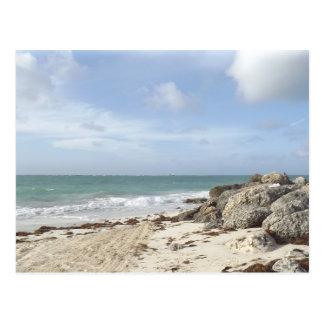 Playa rocosa en el puerto Lucaya, puerto franco, Postales
