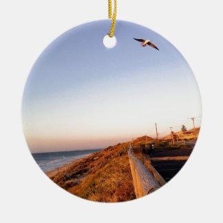 Playa Seagul del halcón Adorno Redondo De Cerámica