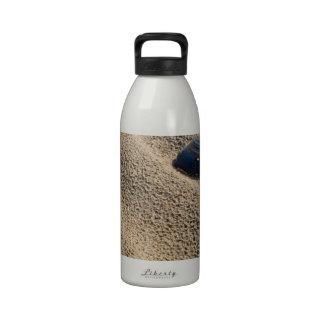 Playa solitaria botella de beber