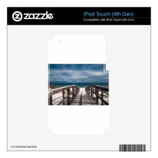 Playa surrealista calcomanía para iPod touch 4G