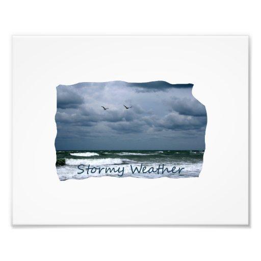 Playa tempestuosa con el texto de la imagen de las fotografía