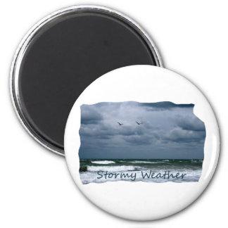 Playa tempestuosa con el texto de la imagen de las imán redondo 5 cm