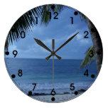 Playa tropical con la palmera