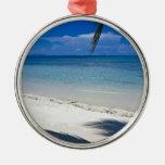 Playa tropical de la isla caribeña ornamento de navidad
