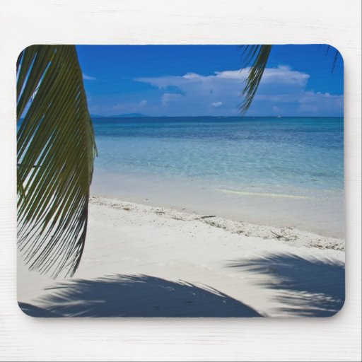 Playa tropical de la isla caribeña mousepads