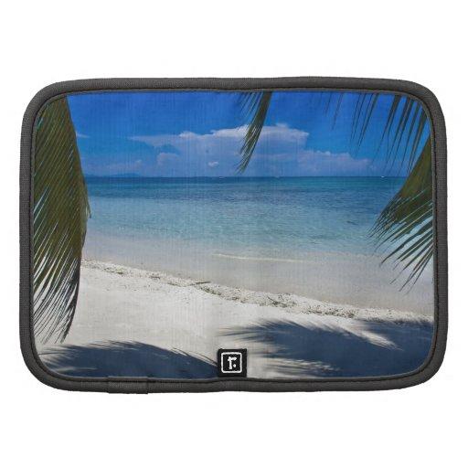 Playa tropical de la isla caribeña organizador