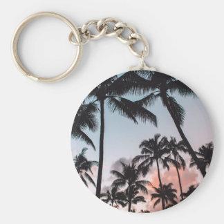 Playa tropical de relajación de la puesta del sol llavero redondo tipo pin