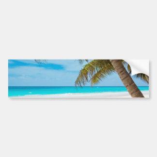 Playa tropical del paraíso etiqueta de parachoque