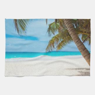 Playa tropical del paraíso toallas de cocina