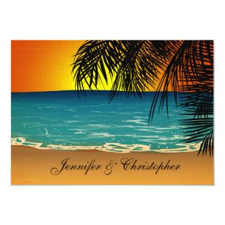 Playa tropical en el boda de la puesta del sol invitación 12,7 x 17,8 cm
