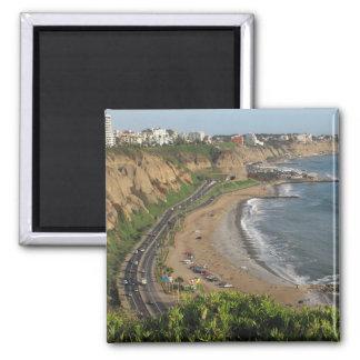 Playa verde de la costa en Lima-Perú Imán Cuadrado