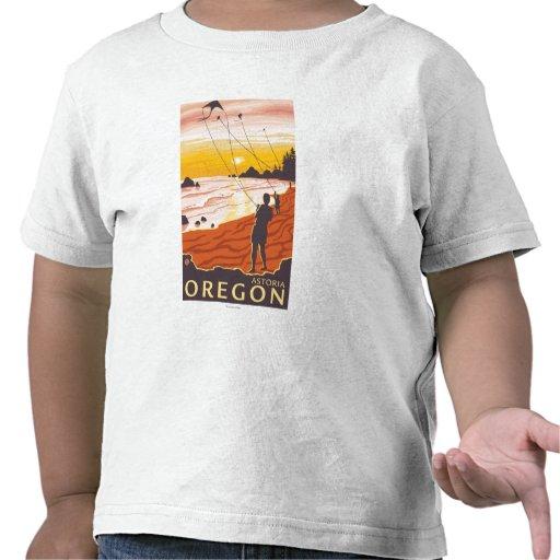 Playa y cometas - Astoria, Oregon Camisetas