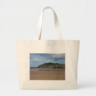 Playa y costa costa de Cornualles en día melancóli Bolsa Tela Grande