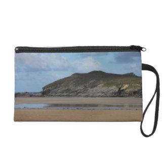 Playa y costa costa de Cornualles en día melancóli