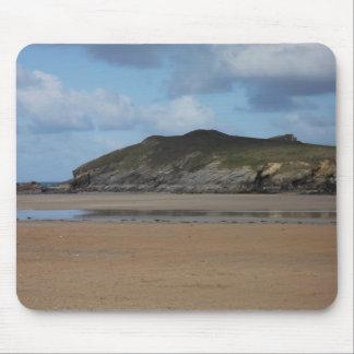 Playa y costa costa de Cornualles en día melancóli Alfombrilla De Ratón
