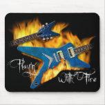 Playin con la guitarra Mousepad del fuego Alfombrilla De Raton