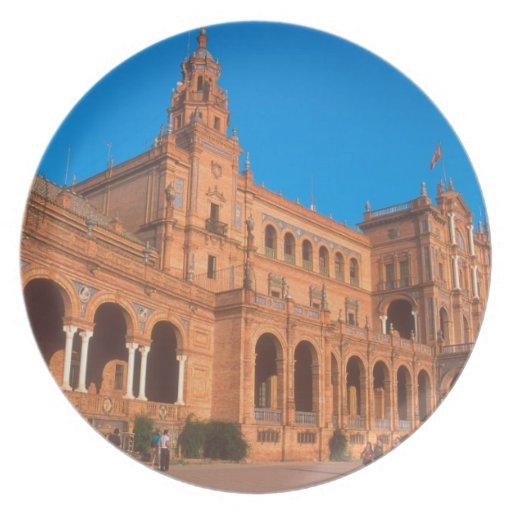 Plaza de Espana en Sevilla, España Plato