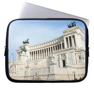 Plaza Venezia en Roma durante hora punta Fundas Portátiles