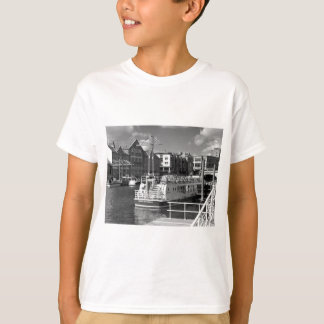 Pleasure boats on the York river Ouse. T-Shirt
