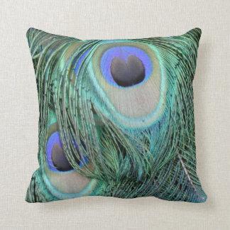 pluma de cola verde y azul del pavo real cojin