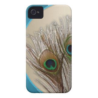 Pluma de color topo moderna del pavo real iPhone 4 Case-Mate protector