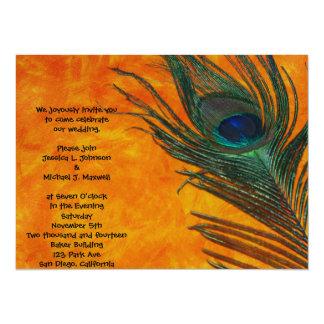 """Pluma del pavo real con el boda anaranjado invitación 5.5"""" x 7.5"""""""